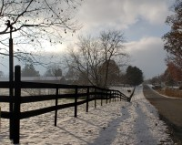 Snow_day,_Lake_Paradise+fences+winter.jpg